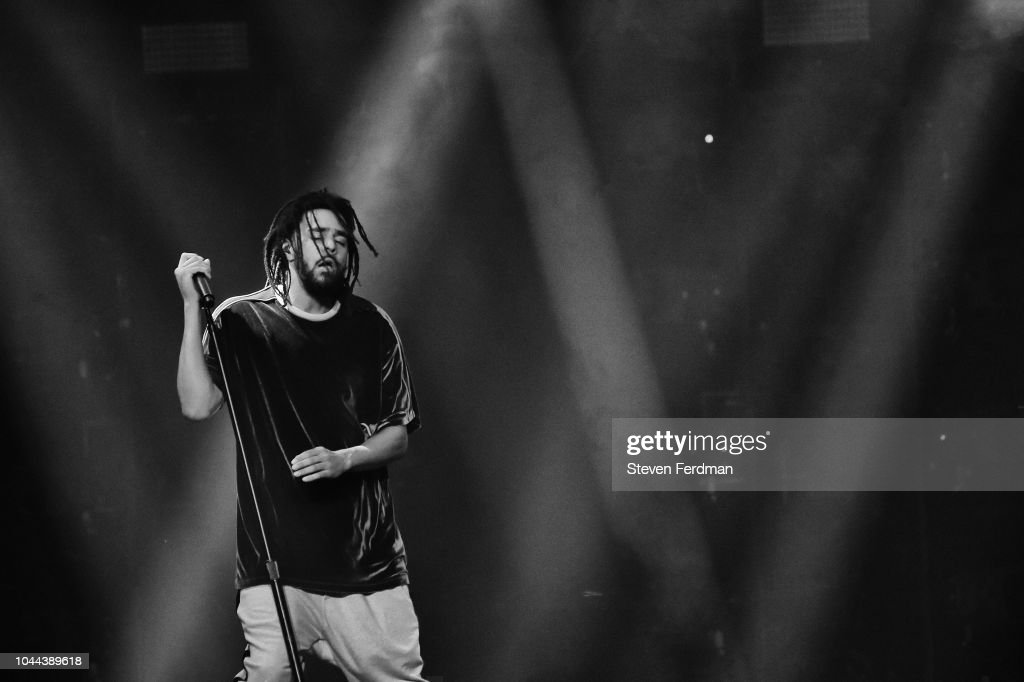 J. Cole In Concert - New York, NY : News Photo