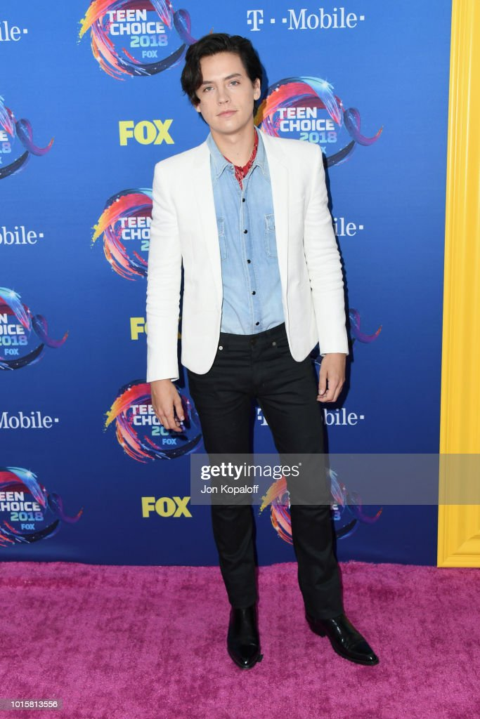 cole-sprouse-attends-foxs-teen-choice-awards-at-the-forum-on-august-picture-id1015813556