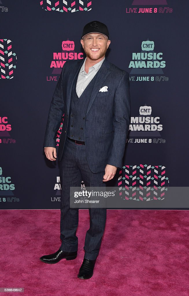 2016 CMT Music Awards - Arrivals : News Photo