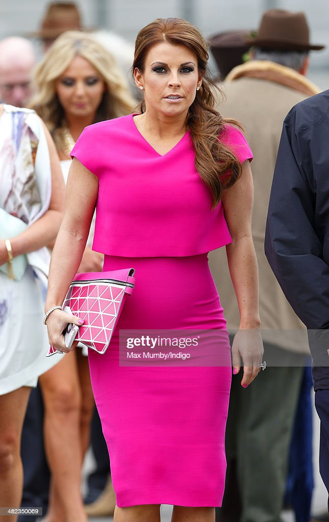 Fashion And Celebrities At Aintree - Day 1 : Foto jornalística