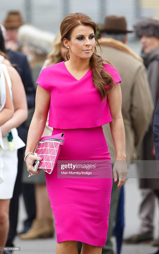 Fashion And Celebrities At Aintree - Day 1 : News Photo