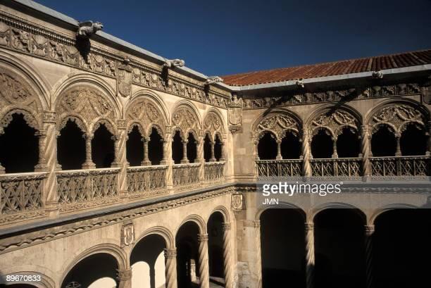 Colegio de San Gregorio . XVth century. Cloister.