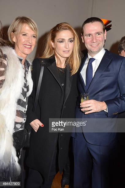 Colette Barbie Julie Gayet and Alexandre Ricard attend 'Le Bal Jaune 2015' Dinner Party At Hotel Salomon de Rothschild during FIAC on October 23 2015...