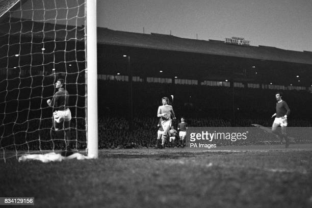 Colin Bell of Manchester City beats the Manchester United goalkeeper Alex Stepney to score