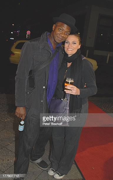 Colin Brown und Rebecca Carrington TheaterGala 'Das große Kleinkunstfestival für Kabarett Comedy und Musik' der Wühlmäuse 2010 mit Feier zum...