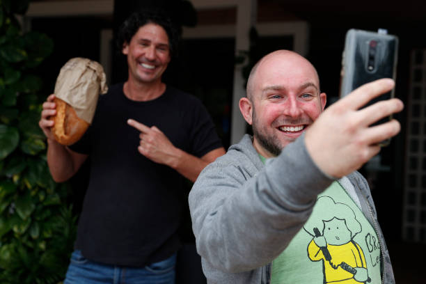 AUS: Celebrity Chef Colin Fassnidge Offers Free Food To Those In Need During Coronavirus Lockdown