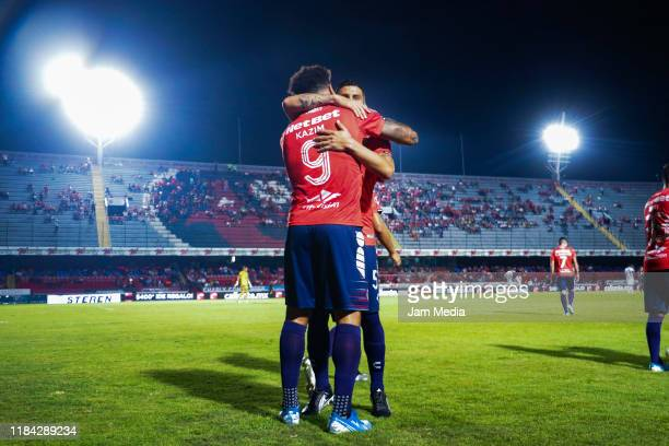 Colin Kazim Richards of Veracruz celebrates after scoring the first goal of his team with teammate Gabriel Penalba of Veracruz during the 16th round...