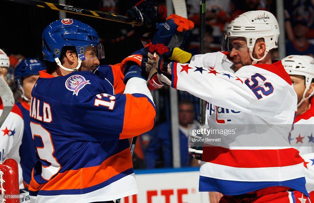 Washington Capitals v New York Islanders - Game Six : News Photo