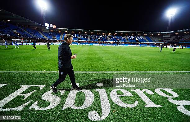 Colin Todd head coach of Esbjerg fB walks on to the bench prior to the Danish Alka Superliga match between Esbjerg fB and AaB Aalborg at Blue Water...