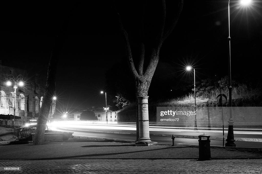 coliseum at night : Bildbanksbilder