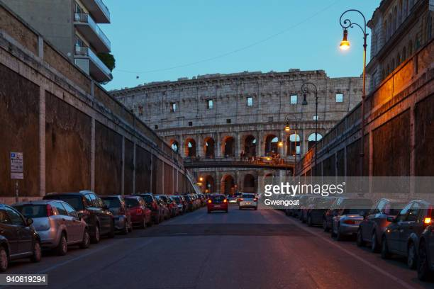 coliseum in rome - gwengoat stock pictures, royalty-free photos & images