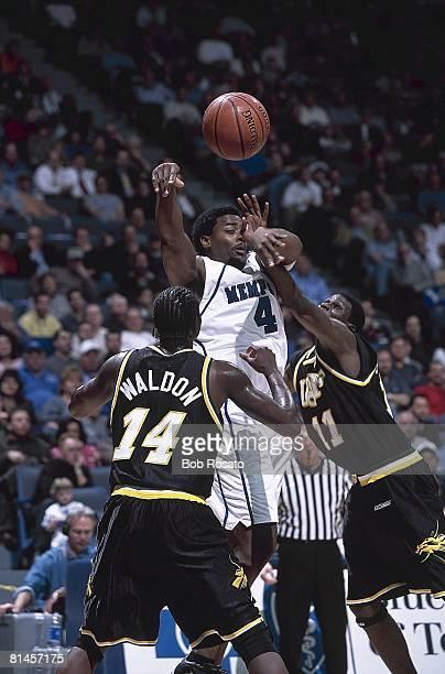 Coll Basketball Memphis Chris Massie in action vs South Florida Memphis TN 1/15/2002