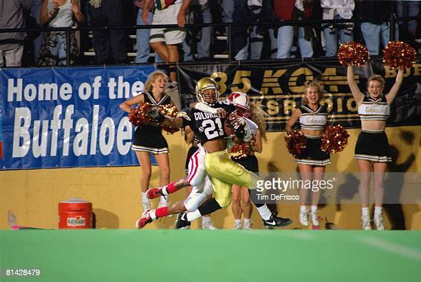 Coll Football Colorado's Rae Carruth in action vs Wisconsin Boulder CO 9/17/1994