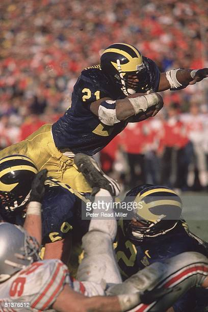 Coll Football Michigan's Tim Biakabutuka in action vs Ohio State Ann Arbor MI