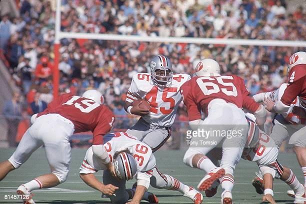 Coll Football Ohio State Archie Griffin in action vs Wisconsin Madison WI