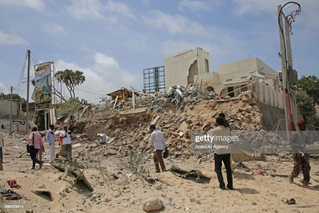 Somalia: Double car bomb blast kills at least 3 : News Photo