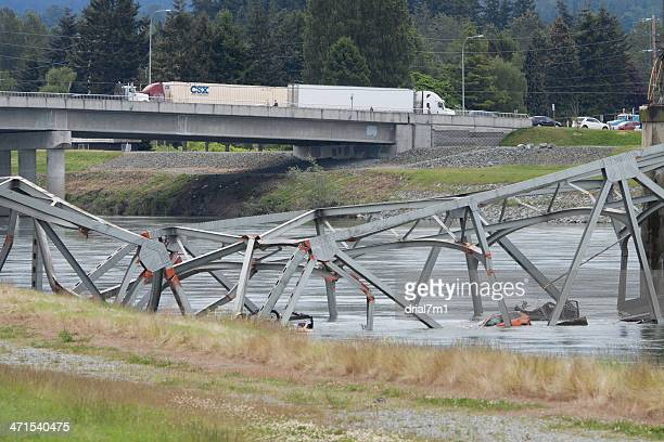 collapsed i-5 bridge skagit county - collapsing stock pictures, royalty-free photos & images