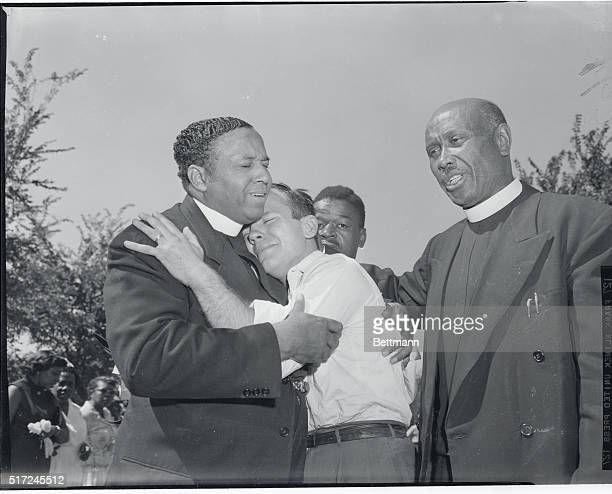 Collapses at Funeral Chicago Luke Ward junior pastor and theology student in Church of God in Christ is comforted by Bishop HM Hooper of Risen Holy...