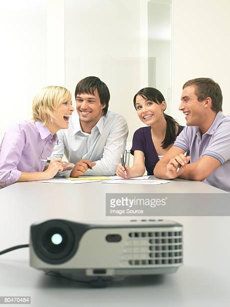 お仕事仲間との会話は、コンファレンスルーム