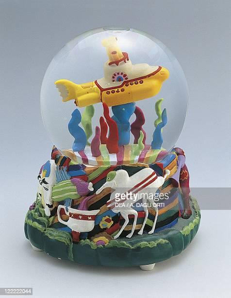 Collecting Snowglobes Beatles Yellow Submarine Gadget Glass
