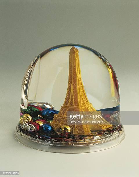 Collecting Snowglobes France Paris Souvenir Tour Eiffel Plastic