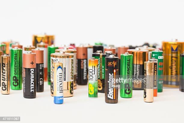 Colección de diferentes marcas de batería