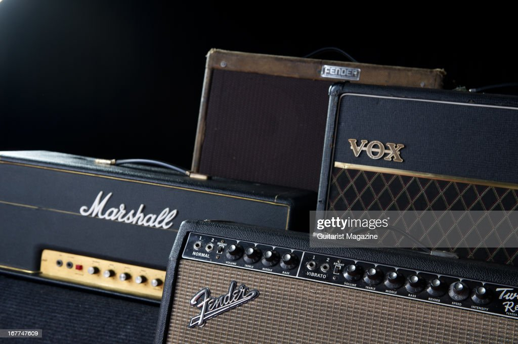 Amplis - Page 6 Collection-of-vintage-electric-guitar-amplifiers-1969-marshall-super-picture-id167747609