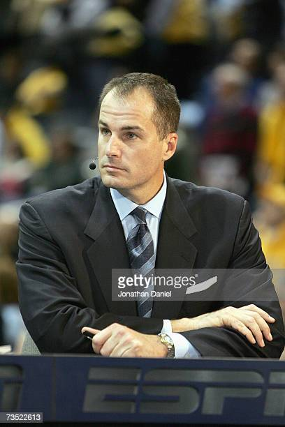ESPN college basketball analyst Jay Bilas gives life commentary before the game between the Marquette Golden Eagles and the Pittsburgh Panthers on...