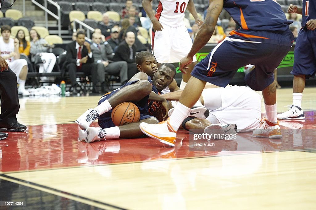 Auburn Adrian Forbes In Action Vs Rutgers At Consol Energy