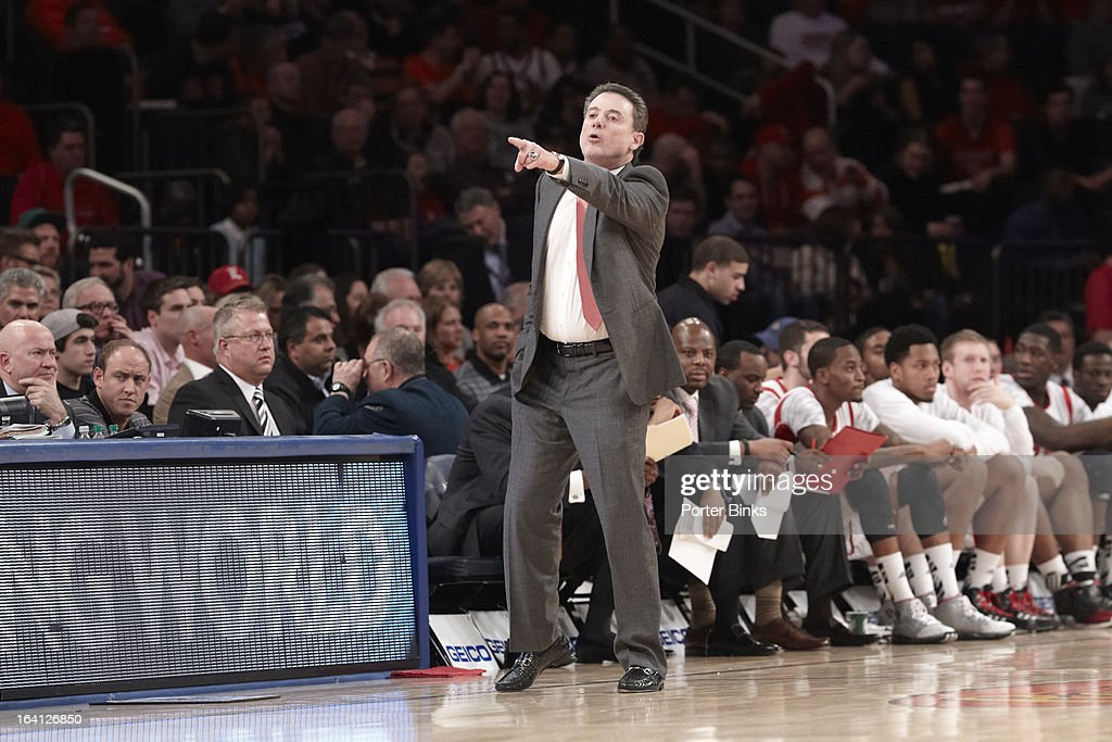 Louisville coach Rick Pitino on sidelines vs Notre Dame during Semifinal game at Madison Square Garden. Porter Binks F18 )