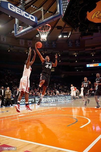 Cincinnati JaQuon Parker in action vs St. John's at Madison Square Garden. New York, NY 2/8/2012 CREDIT: Porter Binks