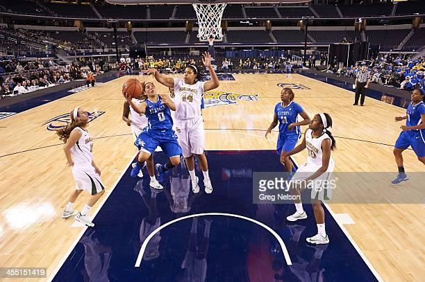 Kentucky Jennifer O'Neill in action vs Baylor Kristina Higgins at ATT Stadium Arlington TX CREDIT Greg Nelson
