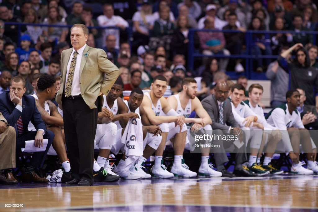 Michigan State coach Tom Izzo on sidelines during game vs Northwestern at Allstate Arena. Greg Nelson TK1 )