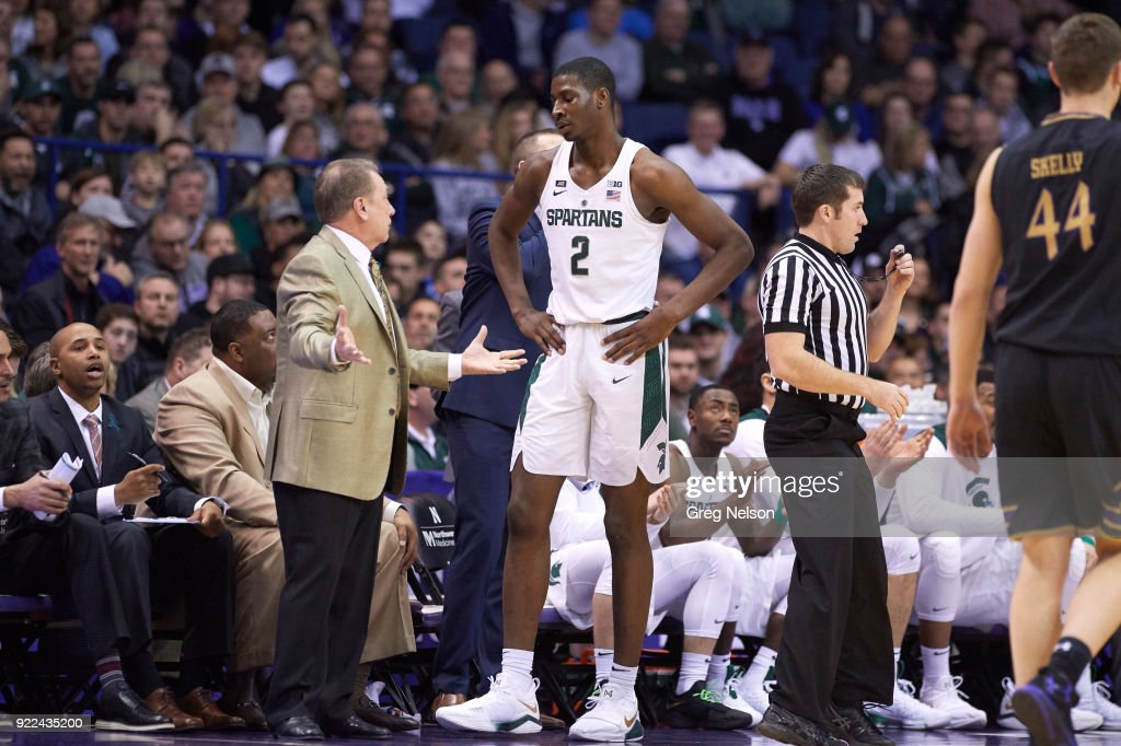 Michigan State coach Tom Izzo on sidelines with Jaren Jackson Jr. (2) during game vs Northwestern at Allstate Arena. Greg Nelson TK1 )