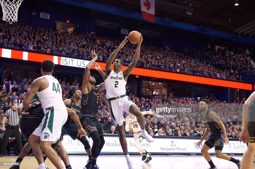 Michigan State Jaren Jackson Jr. (2) in action vs Northwestern at Allstate Arena. Greg Nelson TK1 )
