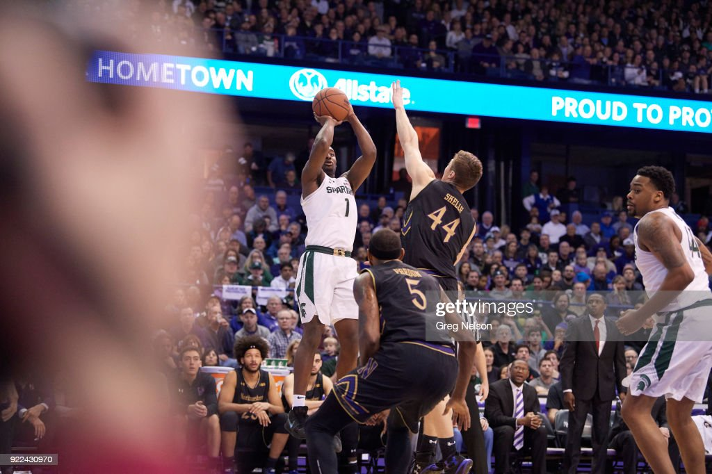 Michigan State Joshua Langford (1) in action, shooting vs Northwestern at Allstate Arena. Greg Nelson TK1 )