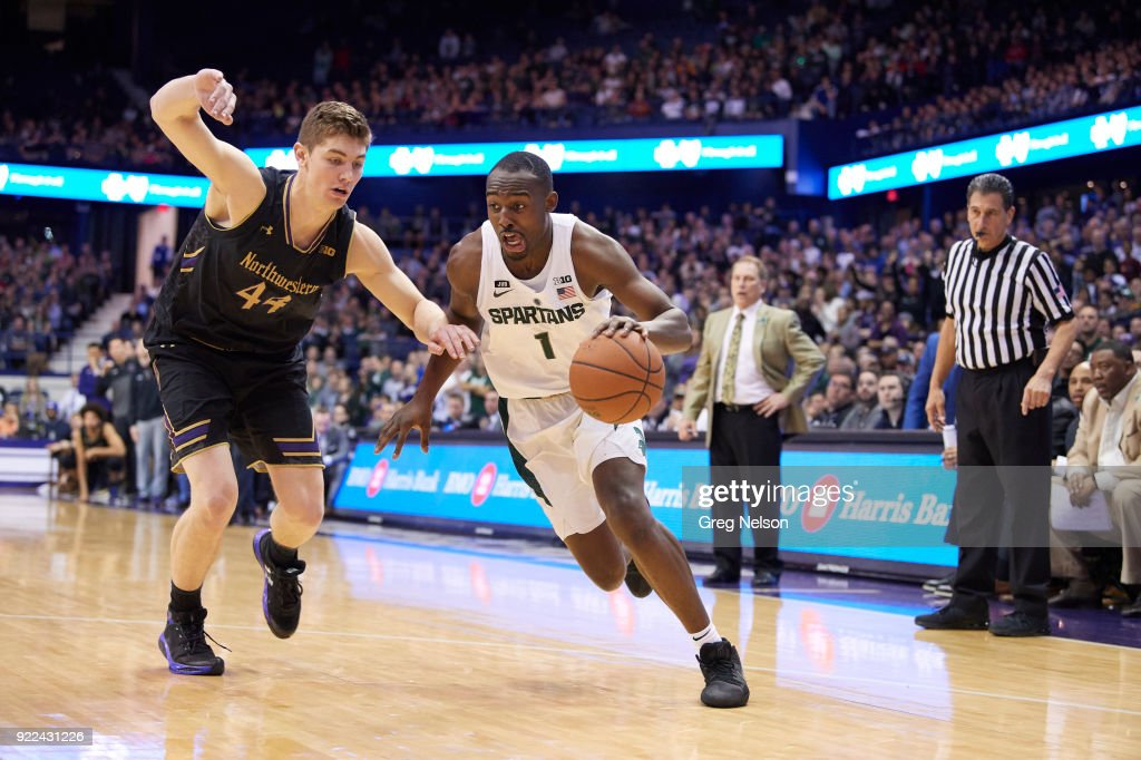 Michigan State Joshua Langford (1) in action vs Northwestern Gavin Skelly (44) at Allstate Arena. Greg Nelson TK1 )