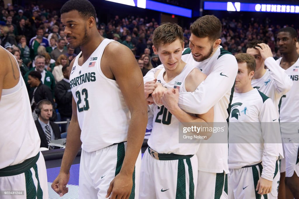 Michigan State Matt McQuaid (20) with teammates during game vs Northwestern at Allstate Arena. Greg Nelson TK1 )
