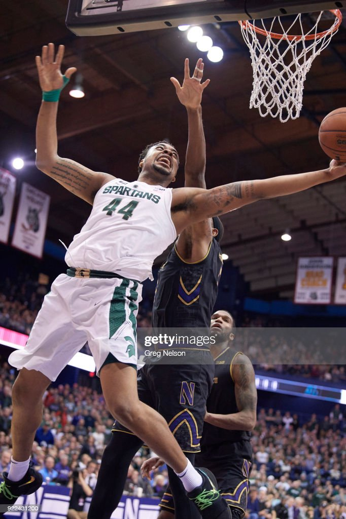 Michigan State Nick Ward (44) in action vs Northwestern at Allstate Arena. Greg Nelson TK1 )