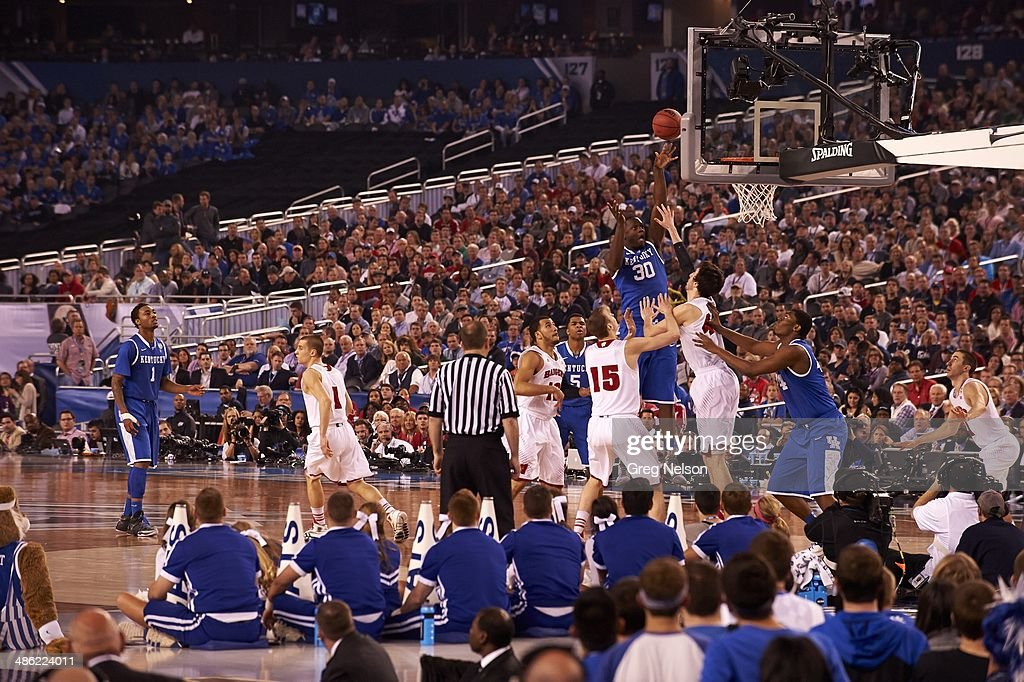 Kentucky Julius Randle (30) in action vs Wisconsin at AT&T Stadium. Greg Nelson X158052 TK1 R2 F36 )