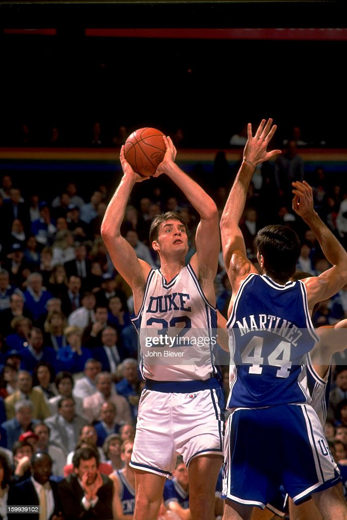 Duke Christian Laettner (32) in action, shooting vs Kentucky at The Spectrum. John Biever X42666 )