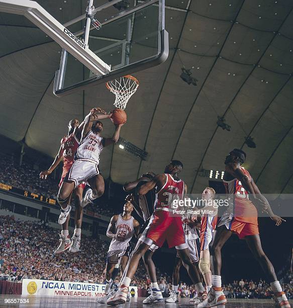Playoffs: Illinois Kenny Battle in action vs Syracuse Derrick Coleman . Minneapolis, MN 3/26/1989 CREDIT: Peter Read Miller