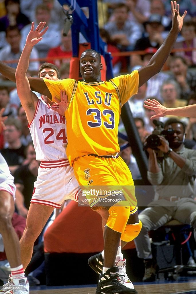 Indiana University Vs Louisiana State 1992 NCAA West Regional Quaterfinals News Photo