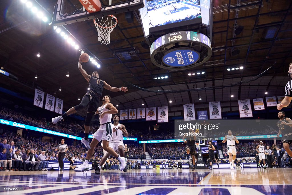 Northwestern University vs Michigan State University : ニュース写真