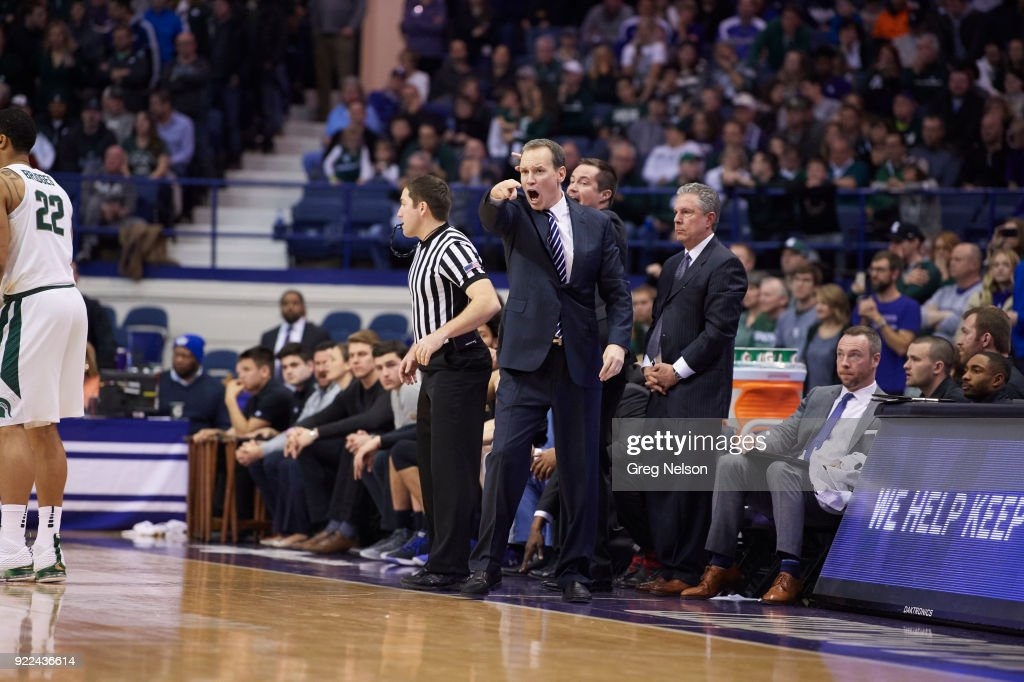 Northwestern coach Chris Collins on sidelines during game vs Michigan State at Allstate Arena. Greg Nelson TK1 )
