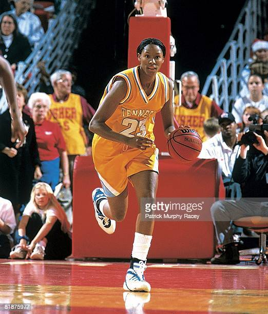 College Basketball: Tennessee Chamique Holdsclaw in action vs Arkansas, Fayetteville, AR