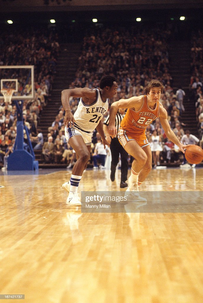 Tennessee Ernie Grunfeld (22) in action vs Kentucky Jack Givens (21) at Rupp Arena. Manny Millan F6 )