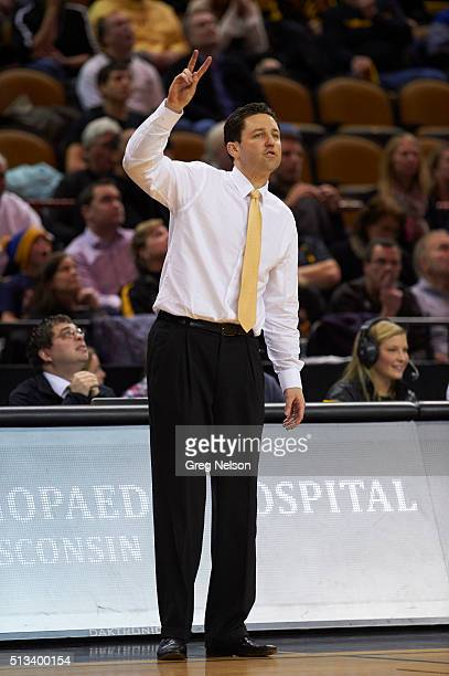 Valparaiso coach Bryce Drew on sidelines during game vs UWMilwaukee at UWM Panther Arena Milwaukee WI CREDIT Greg Nelson