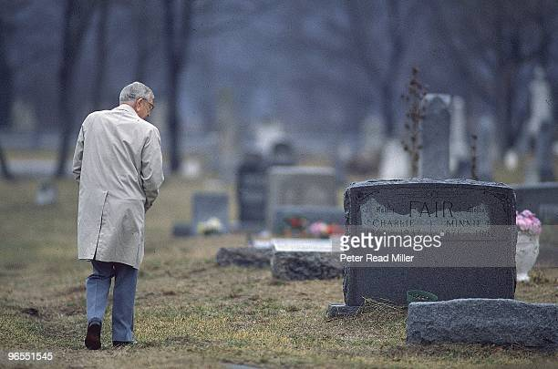 View of former UCLA coach John Wooden visiting grave of his wife Nell Wooden at Forest Lawn Cemetery Glendale CA 1/1/19894/3/1989 CREDIT Peter Read...