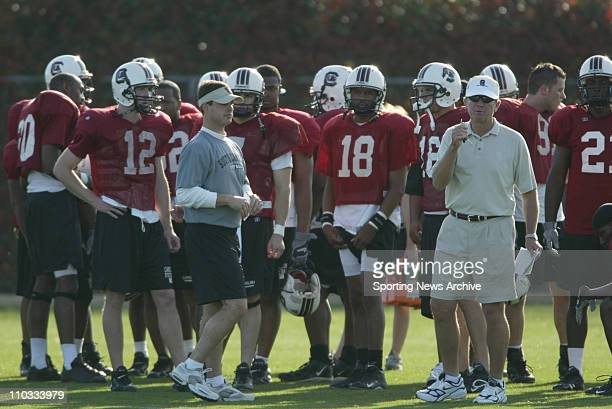 College Football 2005 South Carolina head coach Steve Spurrier Blake Mitchell Antonio Heffner during spring practice on March 29 2005 at the Bluff...